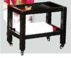 Dřevěný stolek IN2