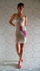 Pružkované šaty