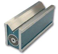 Permanentní magnetický V blok