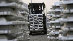 Zahraniční obchod skončil v přebytku 12,3 miliardy korun